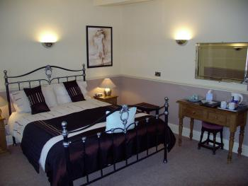 Double room-Deluxe-Ensuite with Bath - Base Rate