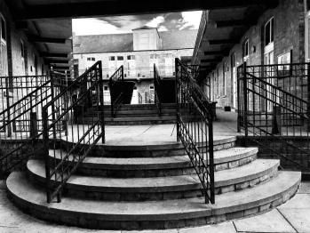 Aberdeen Apart-Hotel - Courtyard