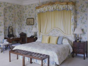 Double or Twin-Superior-Ensuite-Butterfly - Double Bed