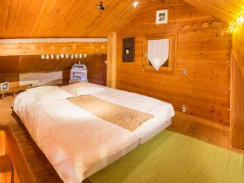 Chambre 1 grand lit en mezzanine