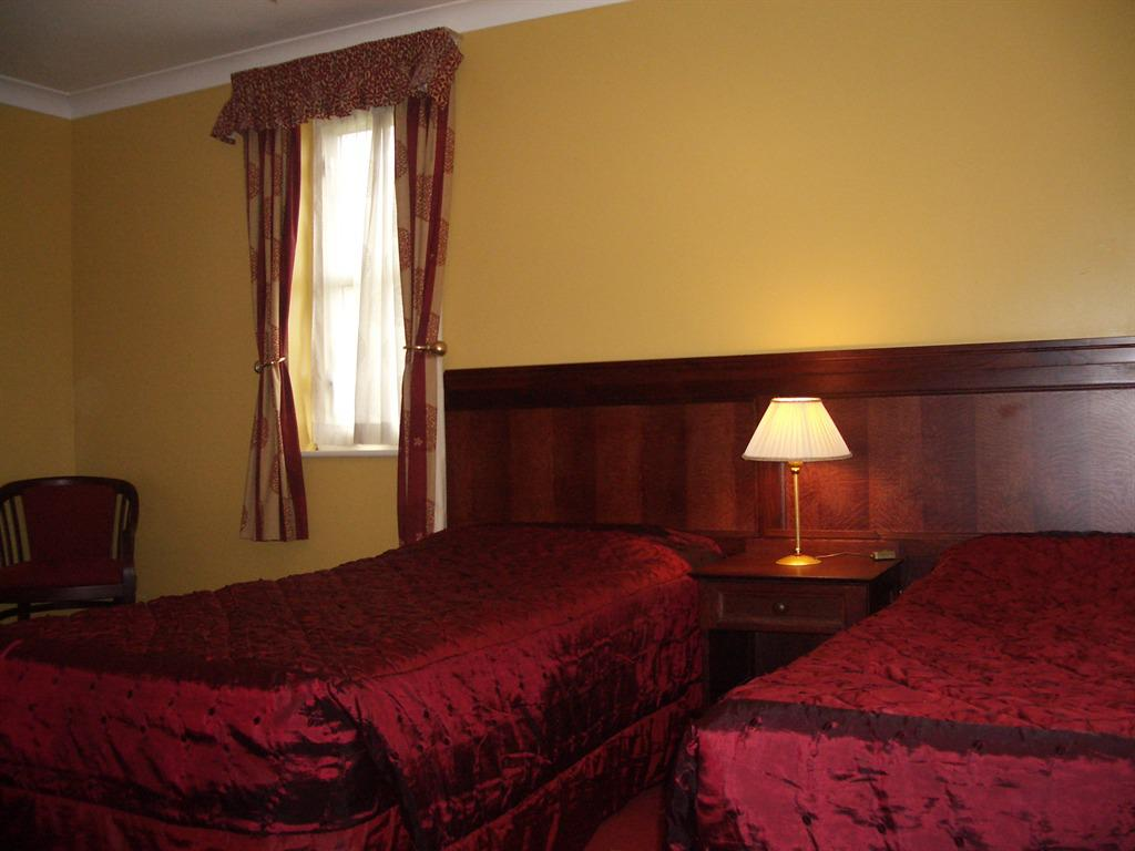 Family room-Ensuite-Priced  2 People Sharing