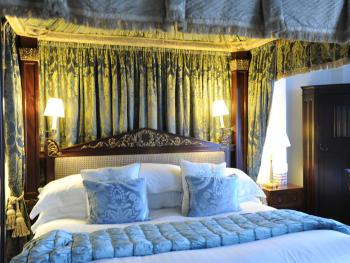 Double room-Ensuite-Sea View-Royal State Four Poster