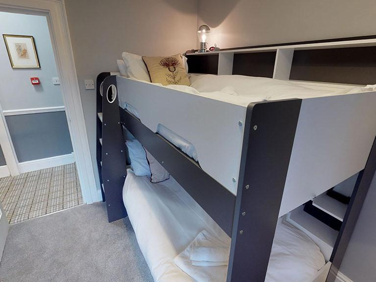 The Bunk Bed Room-Twin room-Modern-Ensuite with Shower