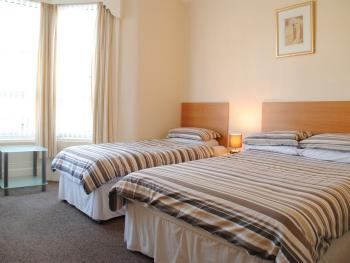 Family-Ensuite-3 Persons