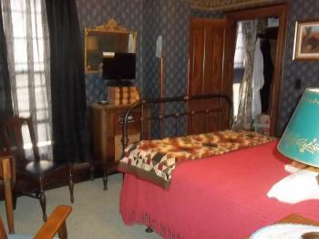 Stauer Room 2