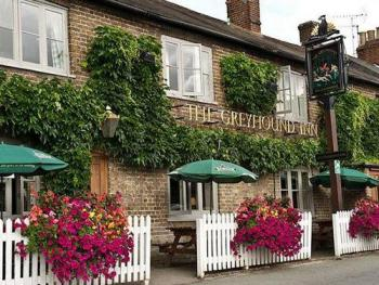 The Greyhound Inn  Aldbury - Exterior View