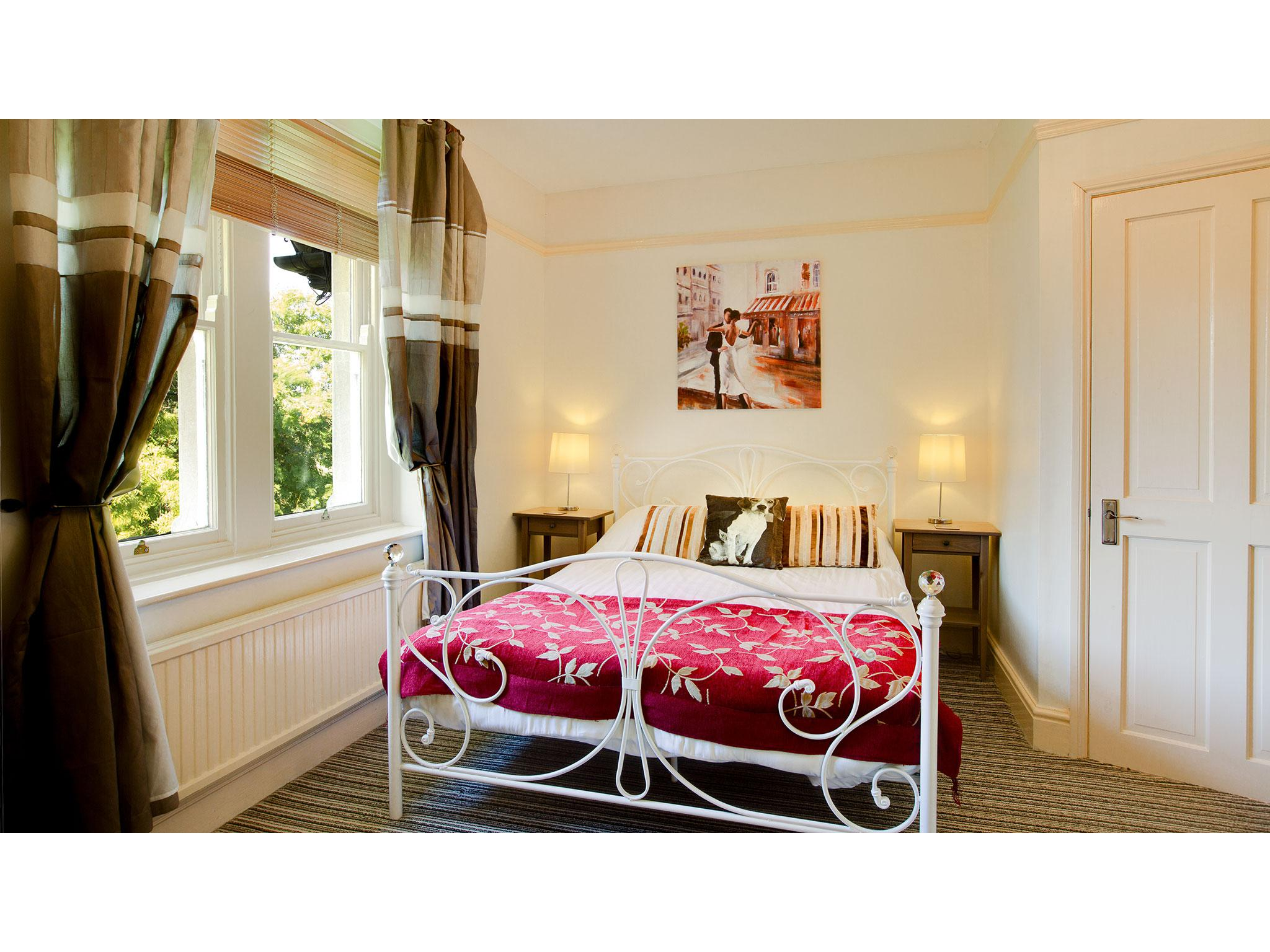 Double room-Standard-Ensuite-Paddock View  - Base Rate
