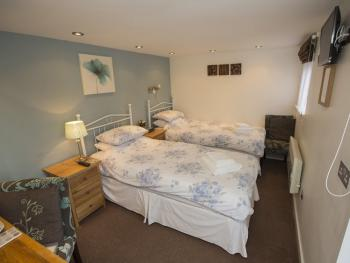 Double or Twin-Ensuite, Breakfast Option Available