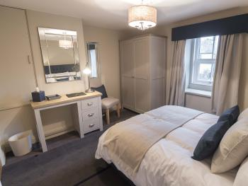 Double room-Luxury-Ensuite with Shower-Street View