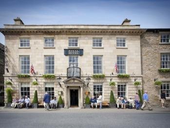 The Royal Hotel - The Royal Hotel