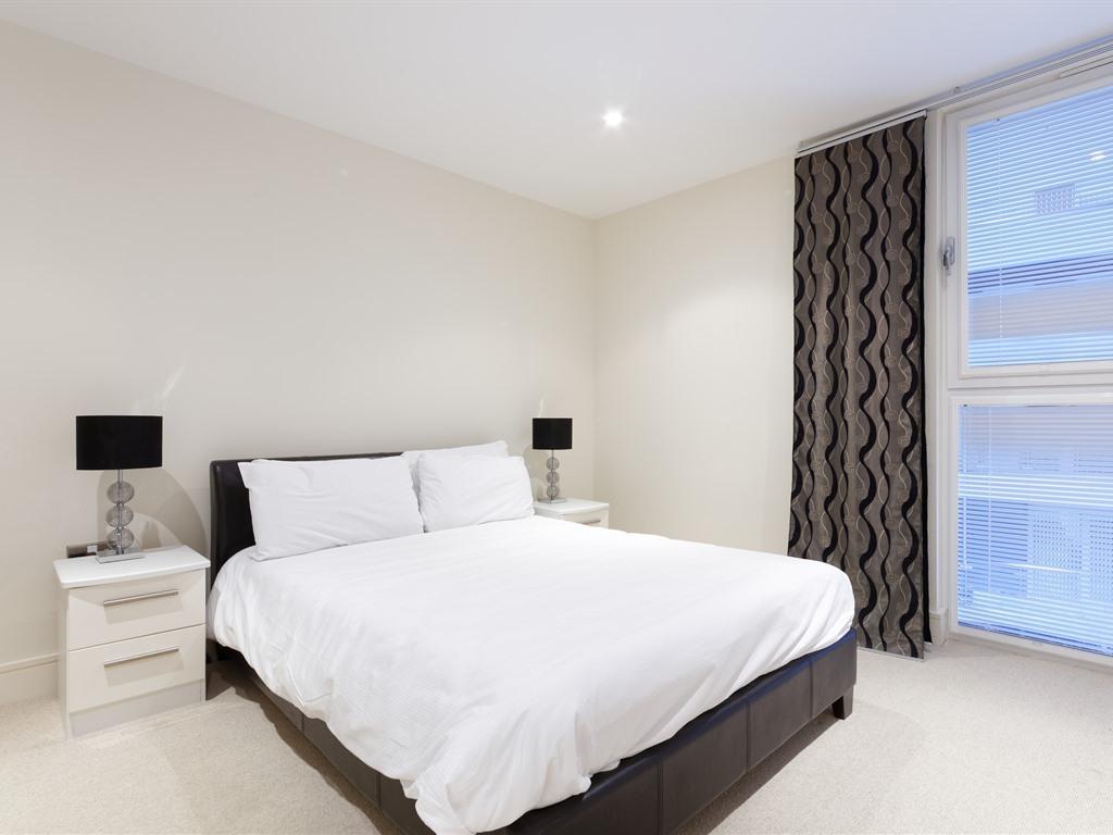 Apartment-Private Bathroom-One Bedroom (Sleep 6)  - Base Rate