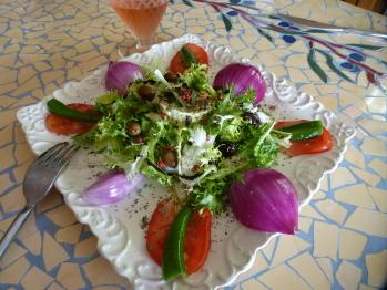 Table d'hôtes -salade du jardin