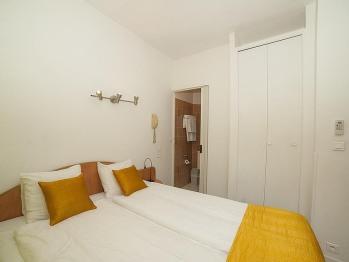 Chambre Simple-Confort-Douche-Balcon