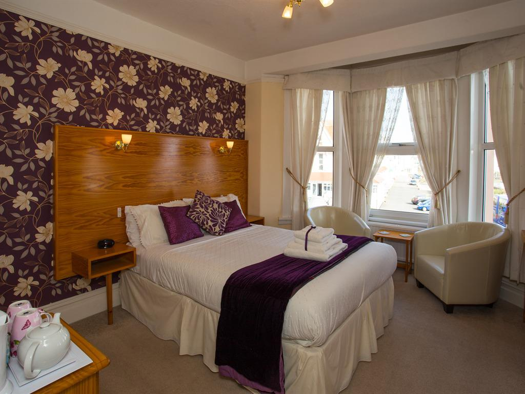 Double room-Superior-Ensuite-Sea View-Bath and shower  - Base Rate