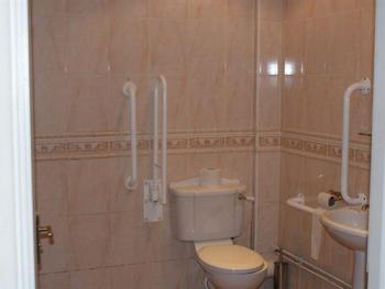 Twin room-Ensuite-Accessible Room