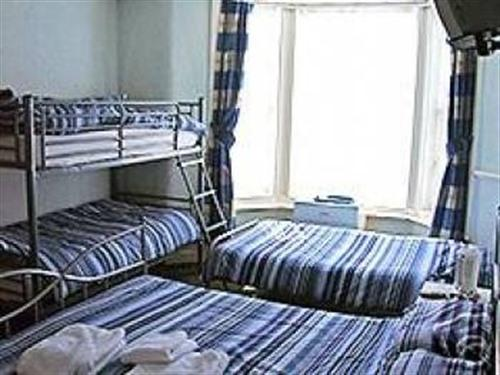 Family Ensuite - 2 Adults & 3 Children under 12