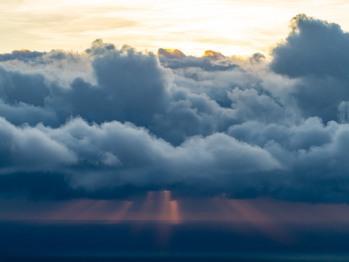 Quand les nuages s'en mêlent