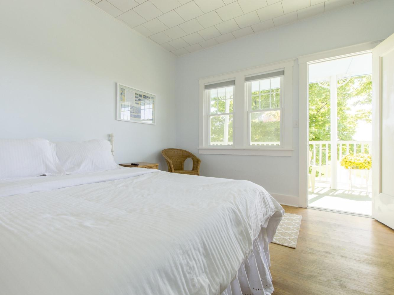 Beach House 1st Floor-Suite-Private Bathroom-Suite