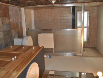 Oak Room Bathroom