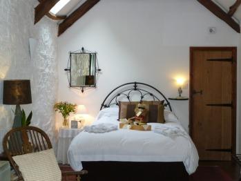 King-Luxury-Ensuite-The Garden Room