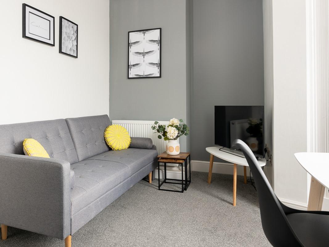 2 Bedroom-Apartment-Private Bathroom