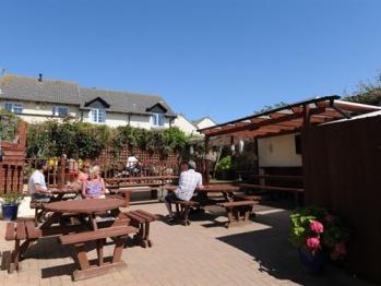 Wayfarer Inn - Beer Garden
