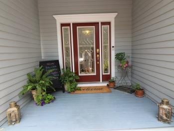 Exterior Detail - Guest Entrance