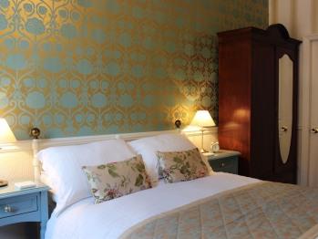 Freesia Room Bed & Breakfast