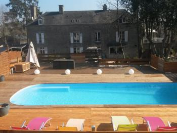 Cottage-Famille-Salle de bain et douche-Vue sur Jardin
