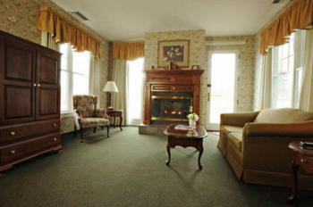 Red Maple Suite