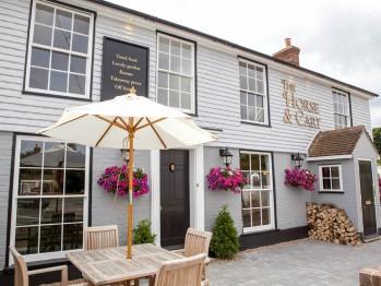 The Horse & Cart Inn - Front entrance