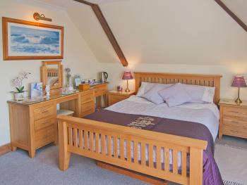 Double room-Ensuite-(South Room)
