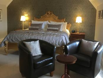 Kipscombe's gold leaf, 6ft super-king bed