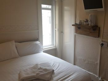 Double room-Basic-Ensuite-Room 10