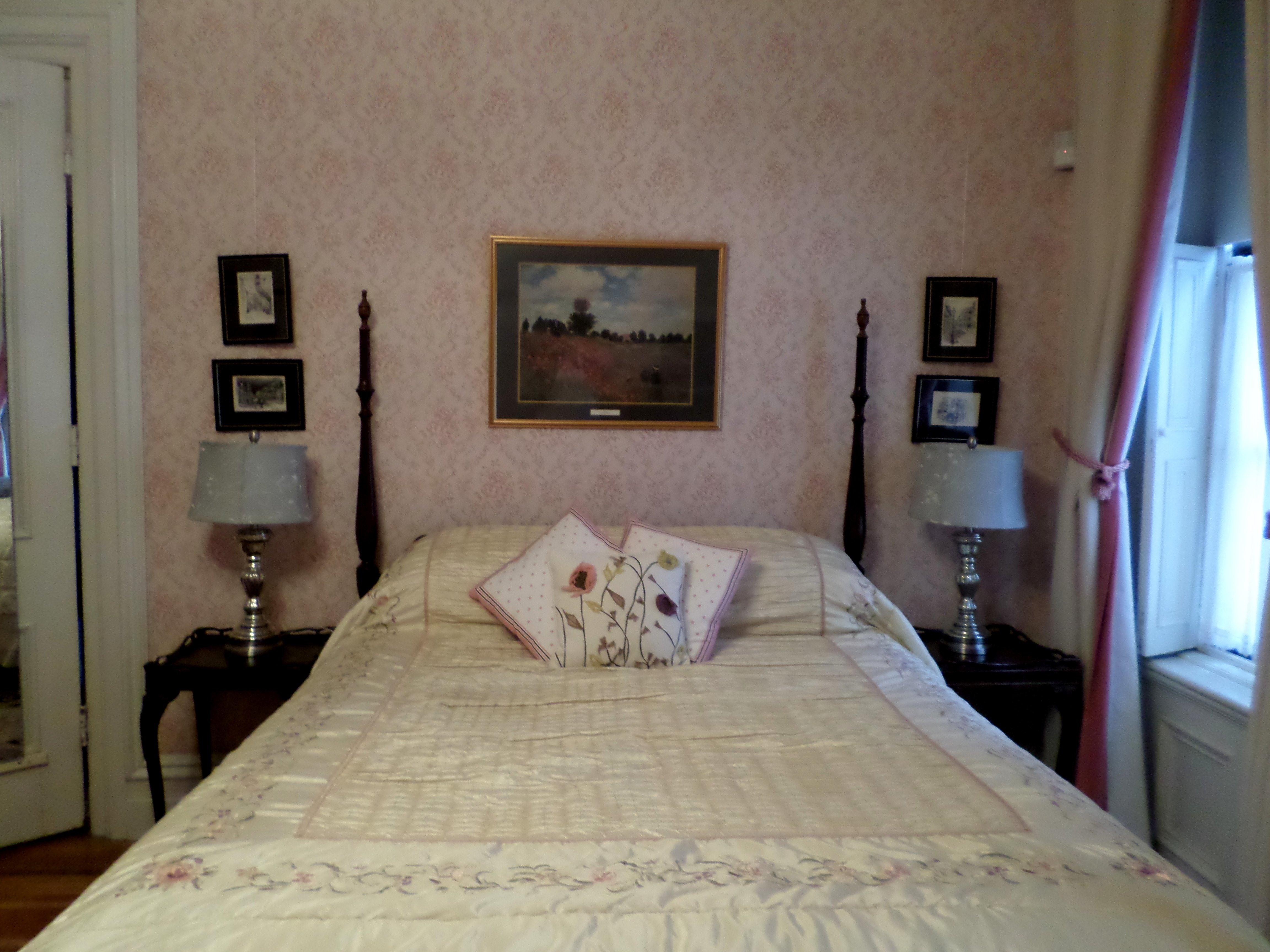 Rose Room-Double room-Ensuite-Queen - Base Rate