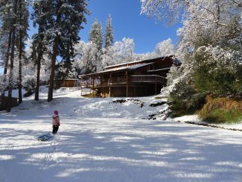 Evergreen Haus - Yosemite Lodging - Cabin Exterior in Winter