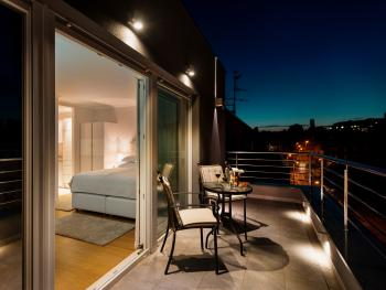 Superior Studio Suite - romantic evenings with great city views