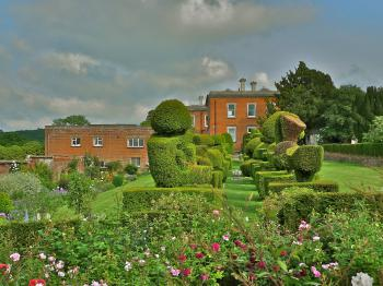 Mount Ephraim - The West Wing from the Topiary