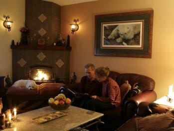 Black Bear Inn gathering room