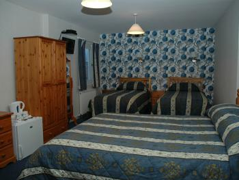 Family room-Ensuite-Sleeps 4