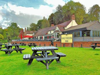 Half Moon Jackfield - Riverside Seating