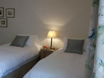 Twin room-Ensuite-Pilsdon