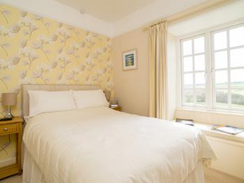Room 2 – Double Shared Shower - BREAKFAST INCLUDED